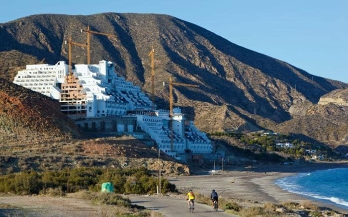 Top 10 ugliest hotels in the world