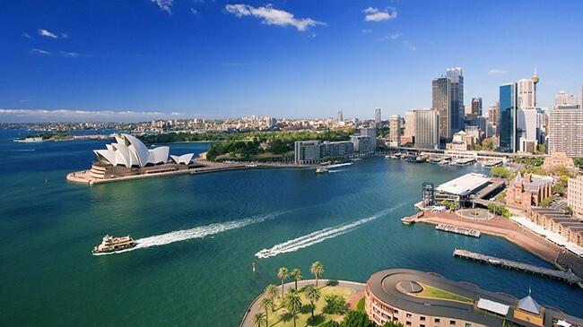 4db536882037a Deviate miesto v rebríčku najväčších miest na svete v tejto oblasti - v  Sydney. Rozkladá sa na ploche 2 037 kilometrov štvorcových.